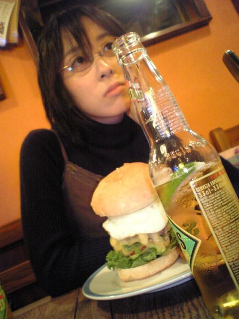 ハンバーガーとコロナ、with安川結花