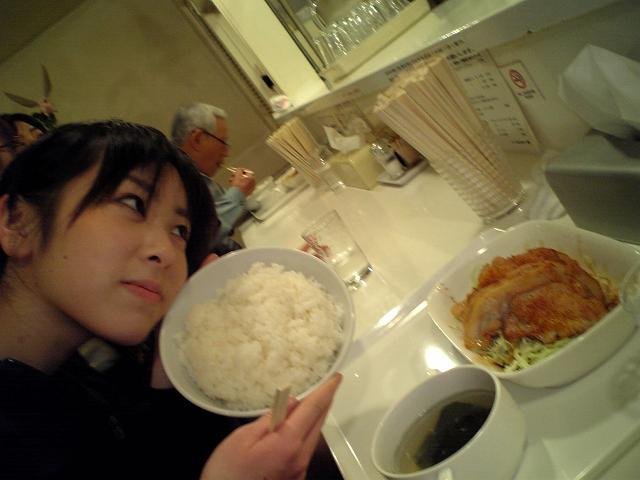 豚の生姜焼きLとご飯XL、with安川結花